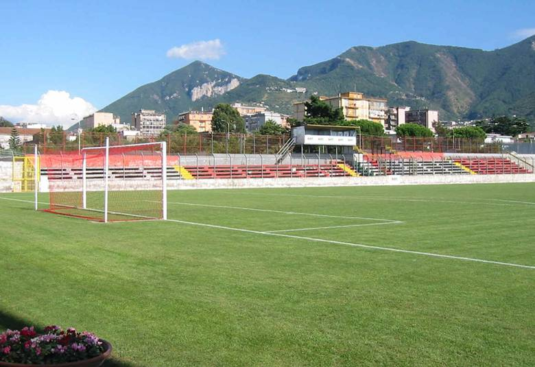 http://www.footballzz.com/img/estadios/686/55686_ori_stadio_pasquale_novi.jpg